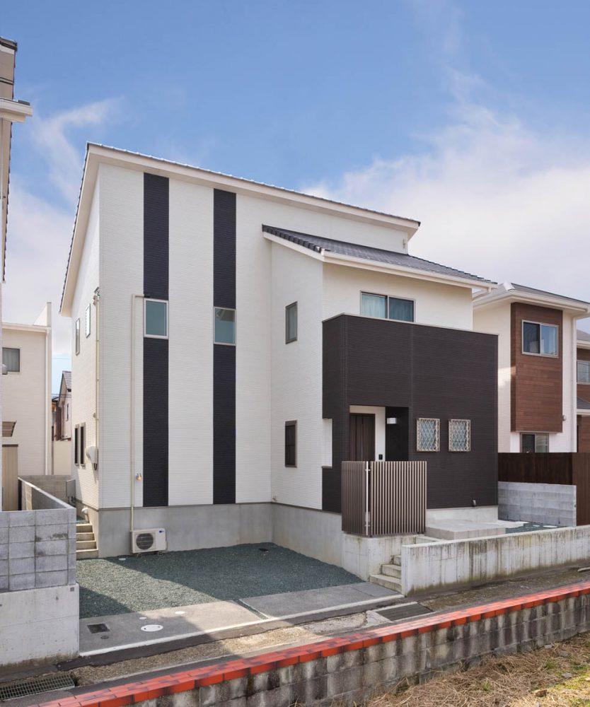ダイナミックな背の高い家イメージ1