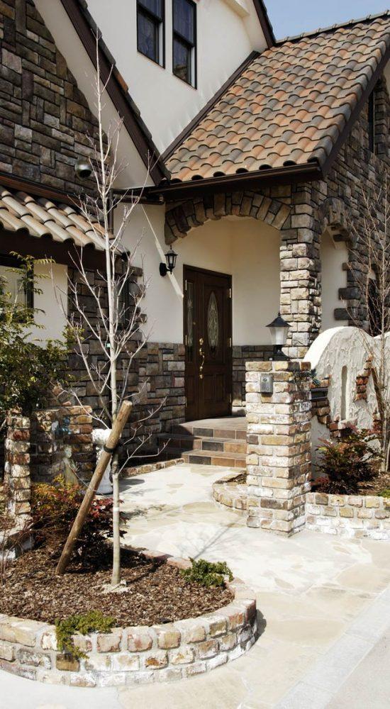 石積みの重厚な外観イメージ2